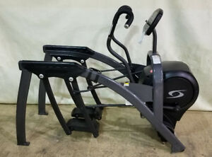 Cybex 610A  Commercial Arc Trainer Elliptical