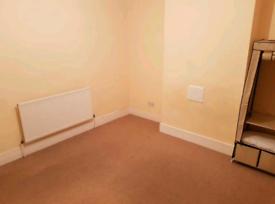 Room to rent!!