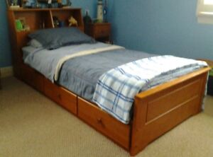 CANADIAN MADE MAPLE MATE'S SINGLE BED