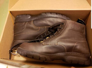 Womens Safety shoes with steel toe - size 9 US BNIB