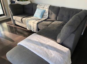 Comfortable & Cozy Sectional Couch