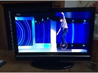 """Techwood 19"""" Tv with built in DVD and Freeview"""