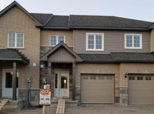 TownHome for sale in peterborough (3bed/3bath)