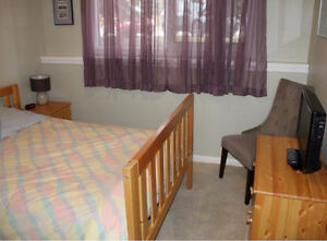 1 Large Bedroom Available for a Couple in Canmore