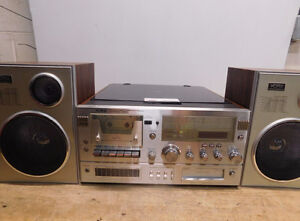 YORX AM/FM Stereo Cassette/8 track/ Tuner with speakers