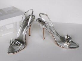 VERSACE Silver Leather Heels Shoes, Size: UK 7 / EU 40, new, RRP £390, -