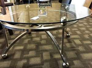 Round Buy Or Sell Coffee Tables In Calgary Kijiji