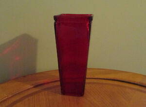 Red Flower Vase - See our other ads Windsor Region Ontario image 2