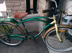 Retro beach cruiser bike