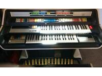 Thomas 2001 organ very retro very cool amazing original condition not Vox not Hammond not Moog