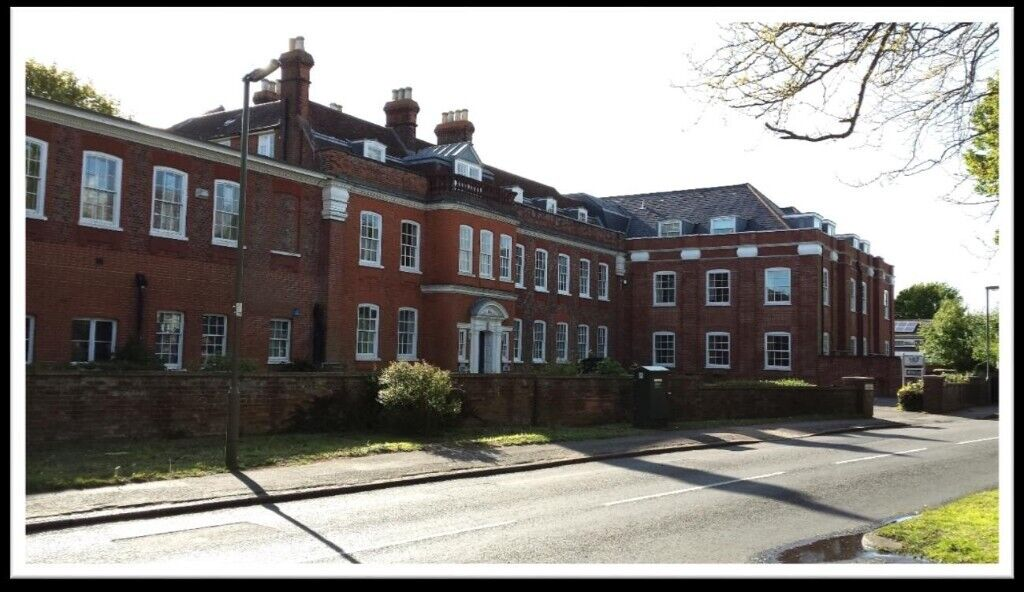 Office Space To Rent Castle House Banstead Sm7 3bt 129 926 Sqft From 252 To 1900 In Banstead Surrey Gumtree