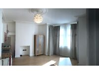 Large Lux Double Studio Flat in Hendon Central to Let