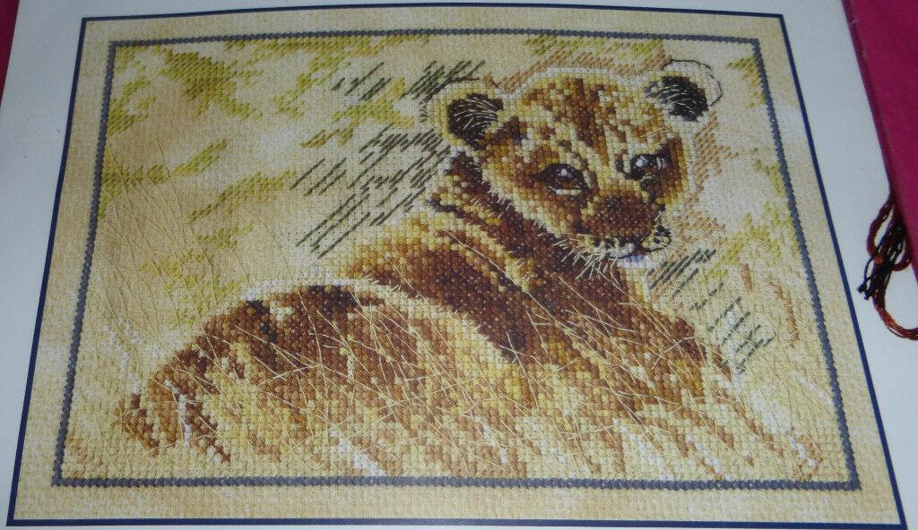 DMC Born Free Le Lionceau (Lion) Cross Stitch Kit, Ref: BK725
