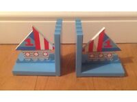 NEW BOYS BOOK ENDS BOAT DESIGN WOODEN NURSERY - POOR PHOTO