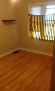 *Room for rent- $500 inclusive* London Ontario image 3