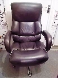 Real Leather Gaming chair.