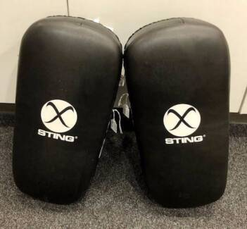 STING KICK PADS SET OF TWO