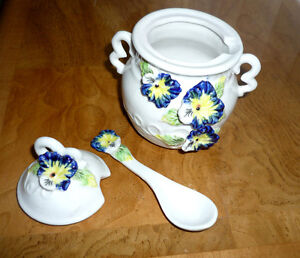 """Pansy"" Sugar Bowl ... Excellent Condition Cambridge Kitchener Area image 2"