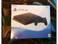 PS4 500gb slim like new boxed with GTA game