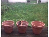 The set of 3 ceramic pots