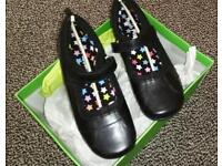 Hush puppies size 4 girls leather school shoes bnib