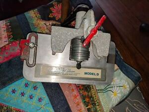 Rigby DOUBLE HEAD Rug Hooking Stripping Machine and BLISS