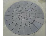 Charcoal Riven Patio Paving a Circle Feature 10ft 3000mm Diameter