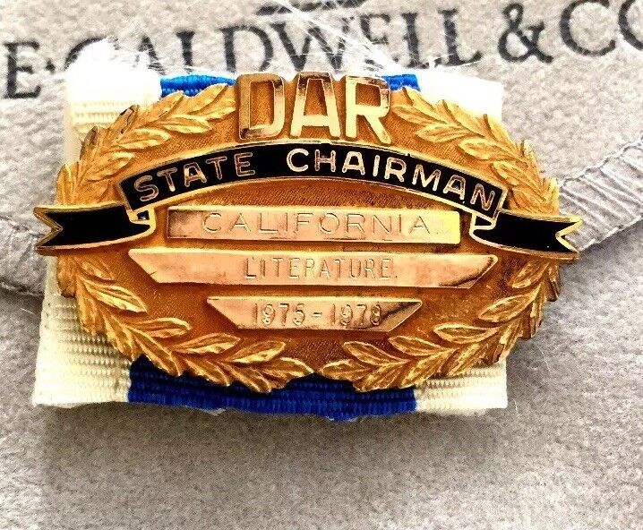 DAUGHTERS OF AMERICAN REVOLUTION PIN - DAR State Chairman 1975-1978, Gold Filled