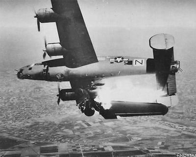 Used, WW2  Photo WWII B-24 Liberator Bomber Shot Down Over Italy  World War Two /5225 for sale  Shipping to Canada