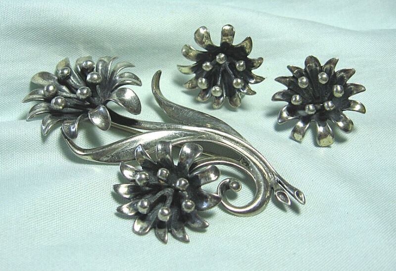 """Cast Sterling Silver Floral Pin & Earrings  36.2 grams Pin: 3 1/4"""""""
