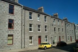 Cosy top floor flat to rent, Ashvale Place, Aberdeen GCH & DG, outbuilding for bicycle.