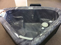 2015 Portable Hot tub Floor model Clear out This week!