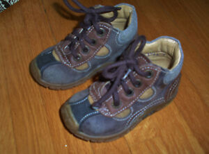 Baby shoes, size 20, 12-24m West Island Greater Montréal image 1