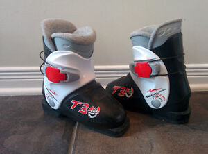 Ski equipment for kid (3 to 6 years old) and ice skate