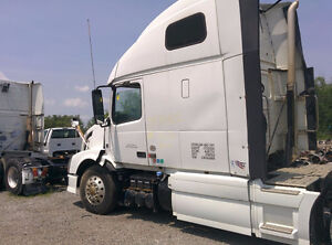 2012 Volvo VNL cab fairings