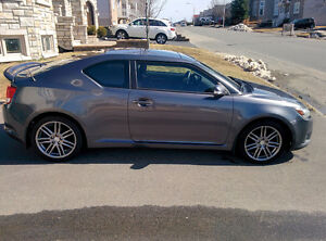 Scion TC 2011 (Comme Honda Civic, Mazda 3, etc)