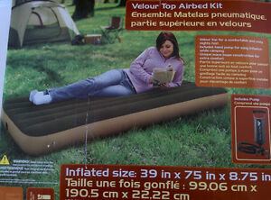 OZARK TRAIL TWIN SIZE INFLATEABLE BED
