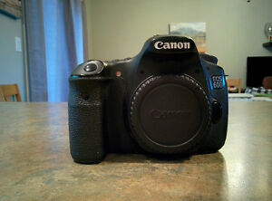 Excellent condition Canon 60D (Body only) with Battery grip and