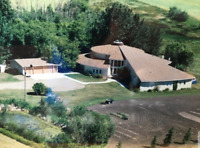 Spacious, Bright and Gorgeous Mansion. 6400 sq. ft. Mansion.
