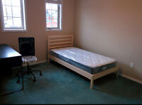 Rooms available near U O IT. Student prefered