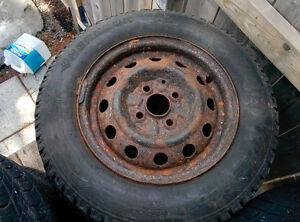 4 pneus d'hiver 175/70R13 Hyundai Accent 2005