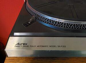 Aurex direct drive turntable by Toshiba Peterborough Peterborough Area image 2