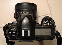 Caméra Nikon D200 avec lentille Nikon 35mm F1.8 G