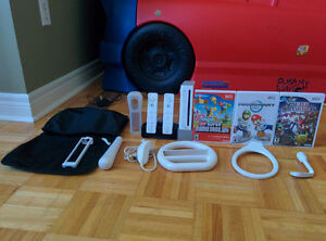 White Wii, 3 games, 2 controllers and more...