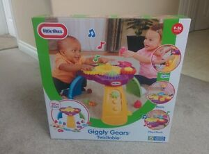 Little Tikes Giggly Gears Twirl Table Playset