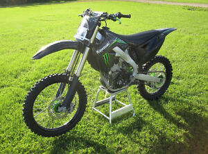 Monster Edition KX250F Kawasaki.