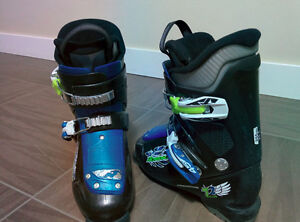 FOR SALE: Kids Nordic ski boots (Size 1)