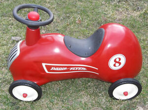 ALL METAL RADIO FLYER ROADSTER PEANUT CAR