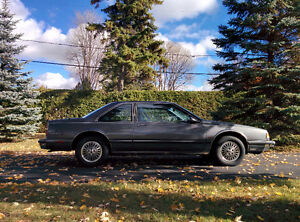 1989 Oldsmobile Eighty-Eight Royal Brougham Coupé (2 portes)