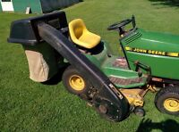 John Deere 6.5 bushel powerflo grass clipping and leaf bagger